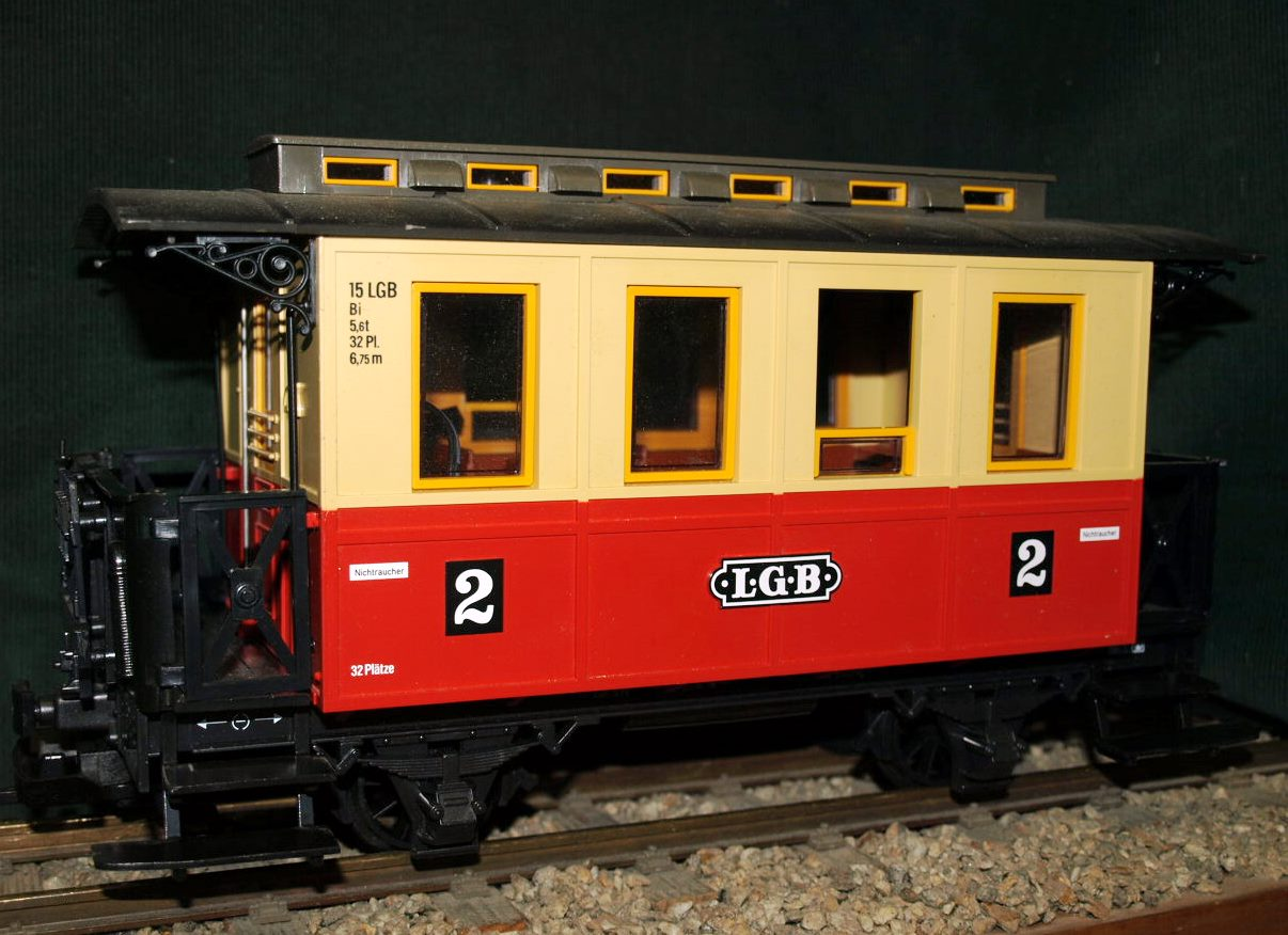 LGB 3011 Personenwaggon, rot/beige