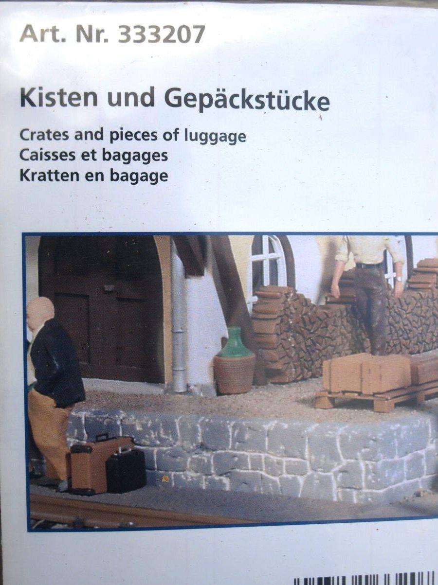 POLA Kisten und Gepäckstücke