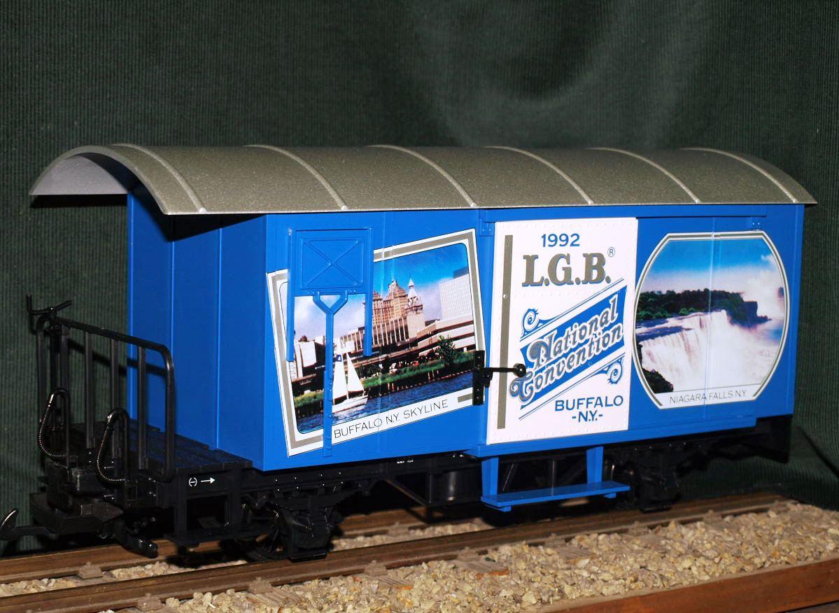 LGB 4028 CC blauer RhB-Waggon