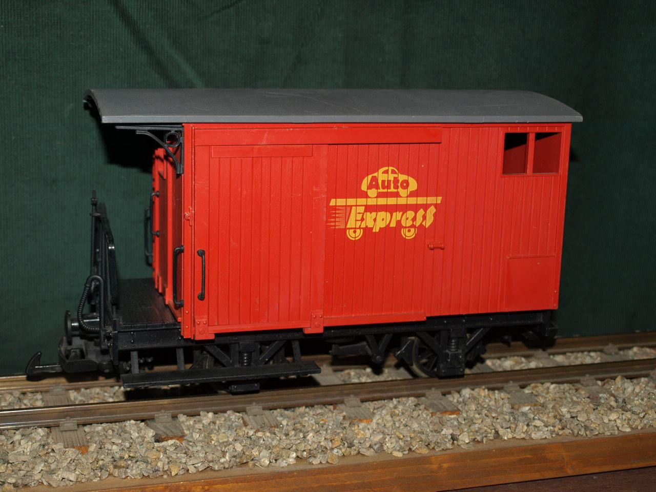 TT-Auto-Express, rot